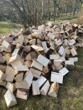 Obrázek k inzerátu Kvalitní štípané dřevo na topení